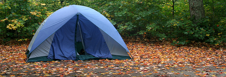 YouthGroupCamping-Tent-(istock)